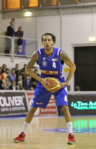 kyle_swanston2_firenze_enegan_recanati_pallacanestro2013