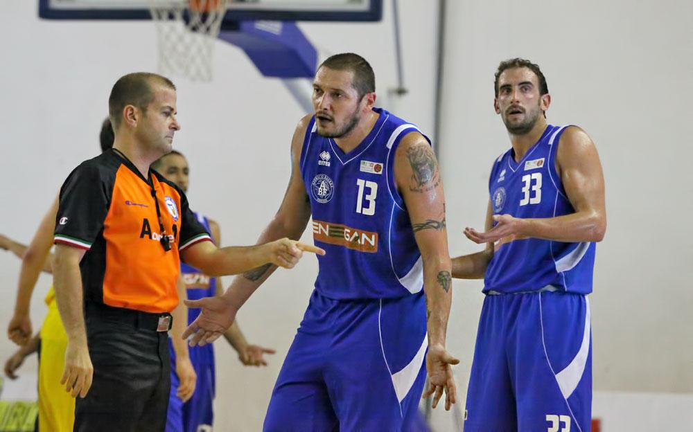 marco_pazzi_capitano_firenze_enegan_recanati_pallacanestro2013