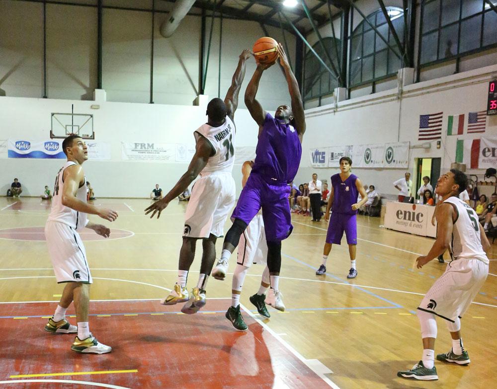 mohamed_toure4_fiorentina_basket2015