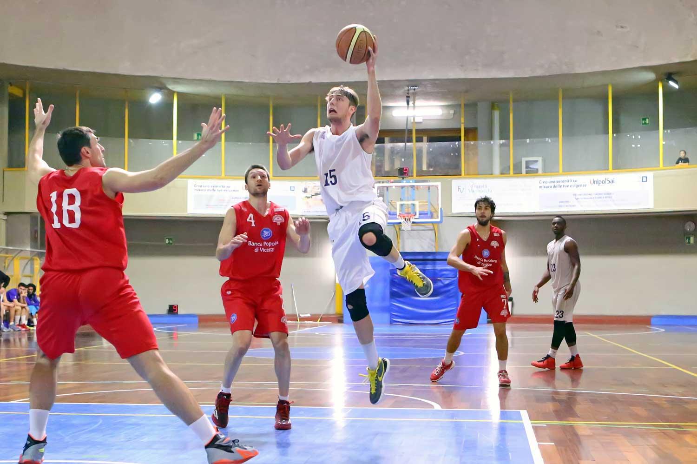 00tommaso_bianchi_fiorentina_vicenza_basket2015