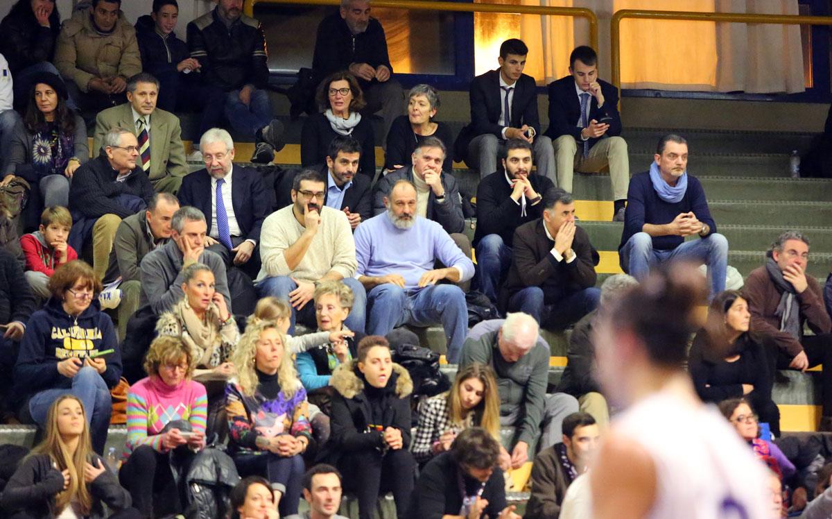 05momo_toure_fiorentina_basket2015