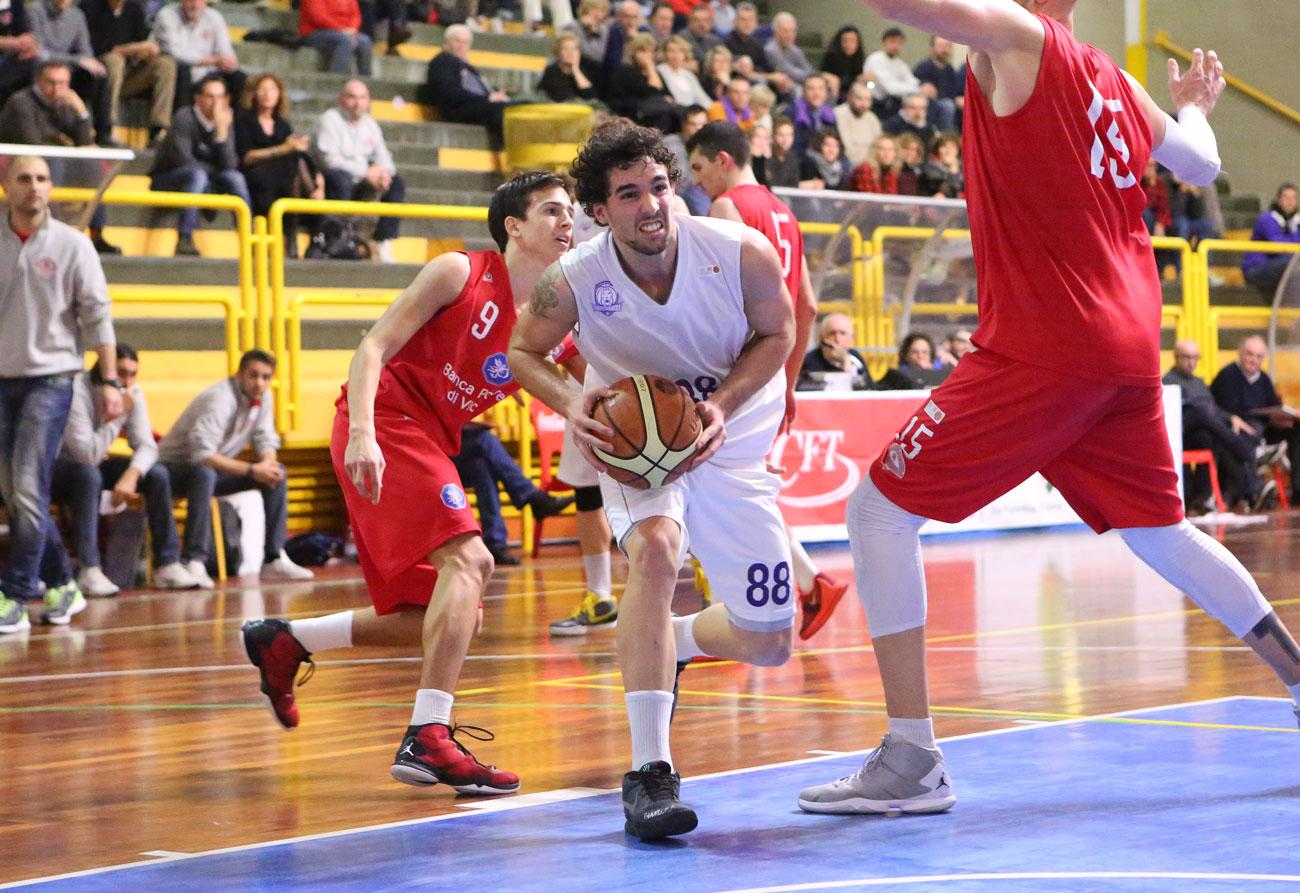 12matteo_caroli_2015_fiorentina_basket_vicenza