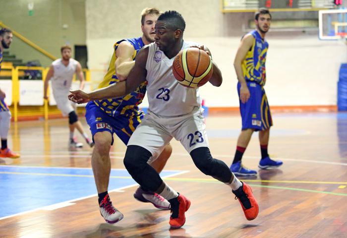 momo_tourè_fiorentina_basket2015
