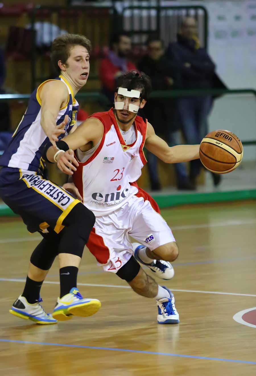 07lorenzo_merlo_enic_pinodragons_castelfiorentino_basket2016