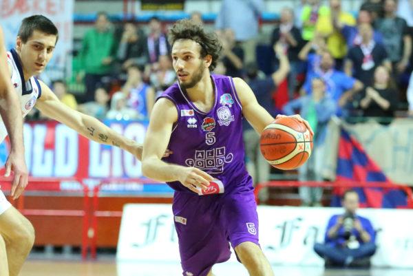 alessandro_grande_basket_fiorentina2018-600x401