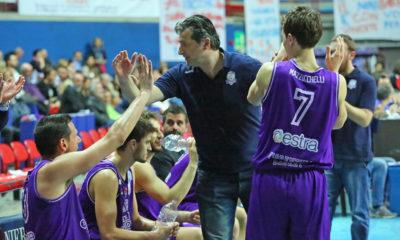 niccolai_fiorentina2018_panchina_basket-400x240